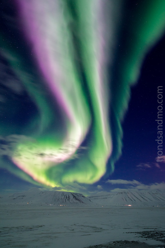 northern lights over adventdalen ii
