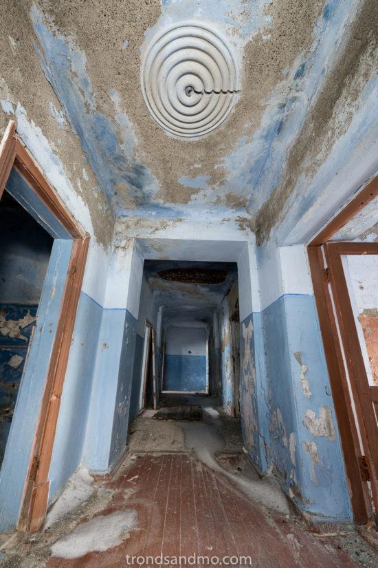 Details in the corridor