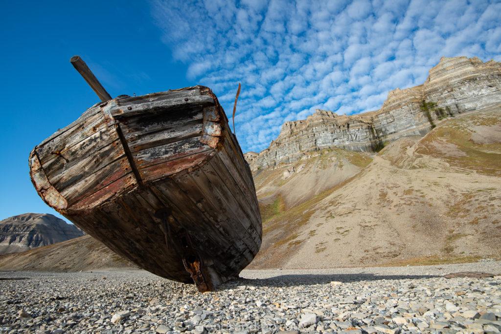 Boat wreck at Skansebukta